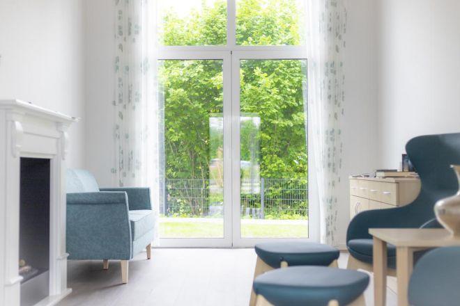 Möblierter Raum beim Hospiz zum guten Hirten